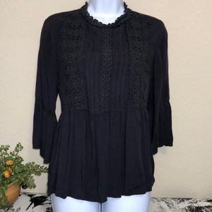 🌟 Xhilaration Women's black peasant blouse